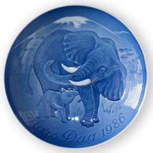 Elephant with Calf 1986, Bing & Grondahl Mothers Day plate | Year 1986 | No. BM1986 | Alt. 1902686 | DPH Trading