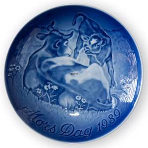 Cow with Calf 1989, Bing & Grondahl Mother's Day plate