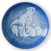 Polar bear with cubs 2012, Bing & Grondahl Mother's Day plate