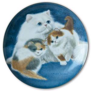 Bing & Groendahl Cat Portraits plate with Persian and kittens | No. BNR11882-620 | DPH Trading