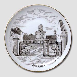 Bing & Grondahl Plate with Graasten Castle, drawing in brown | No. BNR4033-619 | Alt. B.NR.680 | DPH Trading