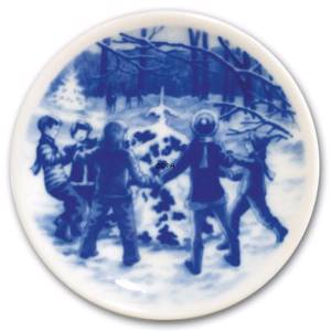 Bing & Grondahl Christmas plaquette 2007, Dacing round the Christmas Tree i...