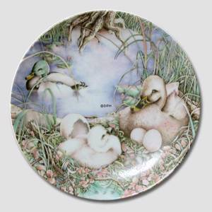 Bradex plate in the series Hans Christian Andersen The Ugly Duckling | Year 1985 | No. BRADEX14-G65-2-1 | DPH Trading