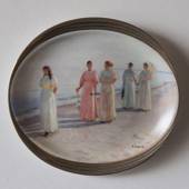 P.S. Kroyer oval plate, Walking at the beach by Michael Ancher, Bing & Gron...