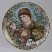 Knowles plate, Edna Hibel, Christmas plate 1989