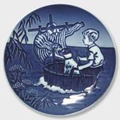 1990 Bing & Grøndahl Young Adventurers plate, the little viking