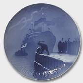 Arrival of the Christmas Boat 1917, Bing & Grondahl Christmas plate