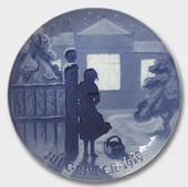 Outside the lighted Window 1919, Bing & Grondahl Christmas plate
