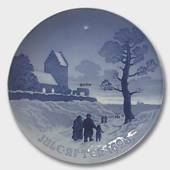 Chruchgoers on Christmas Day 1926, Bing & Grondahl Christmas plate