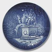 The King's Garden in Copenhagen 1988, Bing & Grondahl Christmas plate