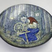 Large Dish with woman spinning flax No. 4106-2