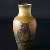 Vase with owl no. 674