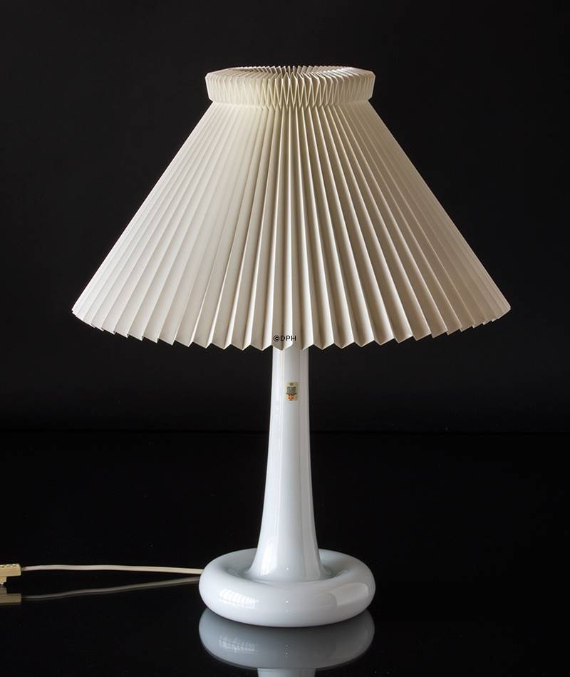 Holmegaard Fleur Table Lamp With Le Klint Shade Second Hand No Dg3255