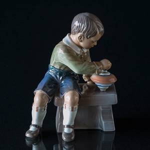 Boy with spinning top Dahl Jensen Figurine No. 1205 | No. DJ1205 | DPH Trading