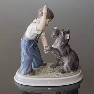 Boy with dog figurine Dahl Jensen No. 1206 | No. DJ1206 | DPH Trading