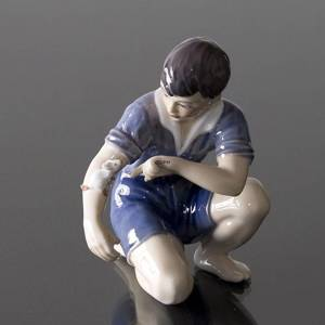 Boy with mouse figurine Dahl Jensen | No. DJ1270 | DPH Trading