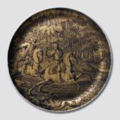 Golden Hunting plate, German. Motif of 2 riders