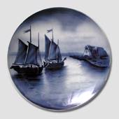 Plate no. 2596A Ships returnng home in black and white, Villeroy & Boch
