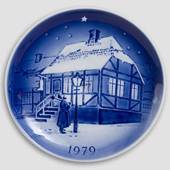 The Old Street Lamp - 1979 Desiree Hans Christian Andersen Christmas plate