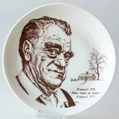 Elgporslin plate with Vilhelm Moberg in brown colour