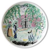 Elg Red Cross Plate with Swedish Folksongs 1979