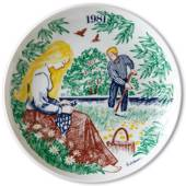 Elg Red Cross Plate with Swedish Folksongs 1981