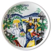 Elg Red Cross Plate with Swedish Folksongs 1983