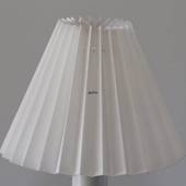 Pleated lamp shade of white flax fabric, side length 11cm