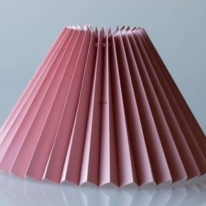 Pleated lamp shade of rose coloured chintz fabric, sidelength 15cm | No. G150922T3100 | DPH Trading
