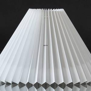 Pleated lamp shade to reading lamp O40mm, of white plastic, sidelength 18cm | No. G180928L0000L-40MM | DPH Trading