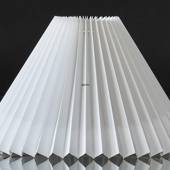 Pleated lamp shade to reading lamp O40mm, of white plasticc, sidelength 21c...