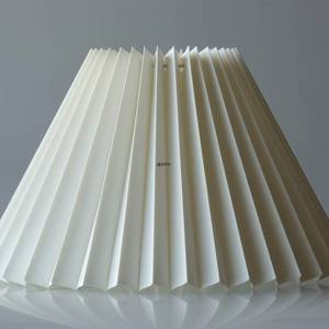 Pleated lamp shade of off white chintz fabric, sidelength 27cm | No. G271642P3300 | DPH Trading