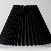 Pleated lamp shade of black chintz fabric, sidelength 40cm