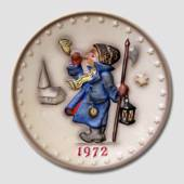 Hummel Annual plate 1972 with boy blowing horn