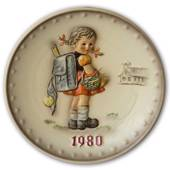 Hummel Annual Plate 1980 Girl with school bag on her way to school