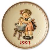 Hummel Annual plate 1993 Girl washing doll