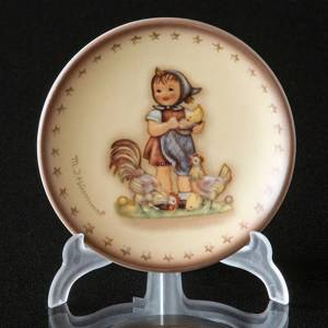 Hummel Annual plaquette 1987 Feeding Time, Miniature Plate | Year 1987 | No. HAPL1987 | DPH Trading
