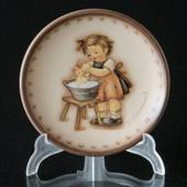 Hummel Annual plaquette 1993 Doll Bath, Miniature Plate