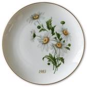 1983 Hackefors mother's day plate Daisy