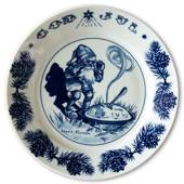 1982 Jenny Nystrom Christmas plate, pixie with pudding