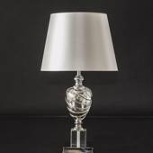 Table lamp in chrome and crystal with a round shade