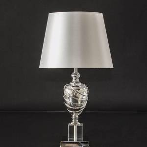 Table lamp in chrome and crystal with a round shade | No. K1093 | Alt. 31222 | DPH Trading