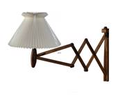 Le Klint 324 Upturned wall lamp made of walnut tree