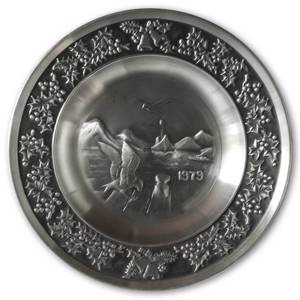 1979 Måstad Pewter Christmas plate, Seagulls and Fishing Boat