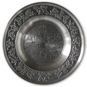 1985 Måstad Pewter Christmas plate, Cabin in the Mountains