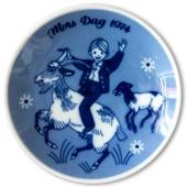 1974 Porsgrund Mother's Day plate