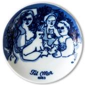 1983 Porsgrund Mother's Day plate