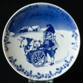 2003 Porsgrund Christmas plate, Hiding the pigs