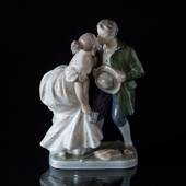 The Princess and the Swineherd Kissing, Royal Copenhagen figurine No. 1114