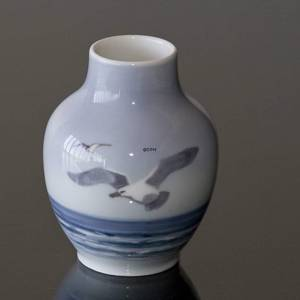 Vase with Sea Gulls, Royal Copenhagen | No. R1148-45 | DPH Trading